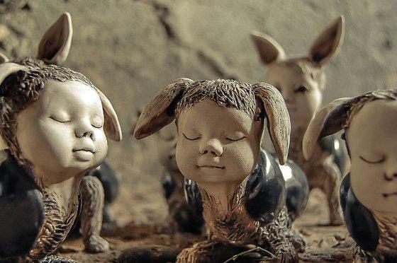 Ceramic | Sculpture | Bug | Sleeping