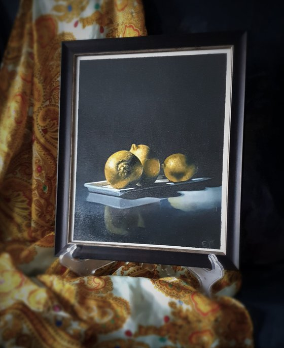 Old Gold, realistic still life