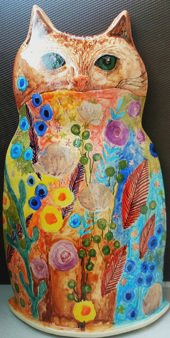 Ceramic | Sculpture | Piggy bank | Talking by flowers