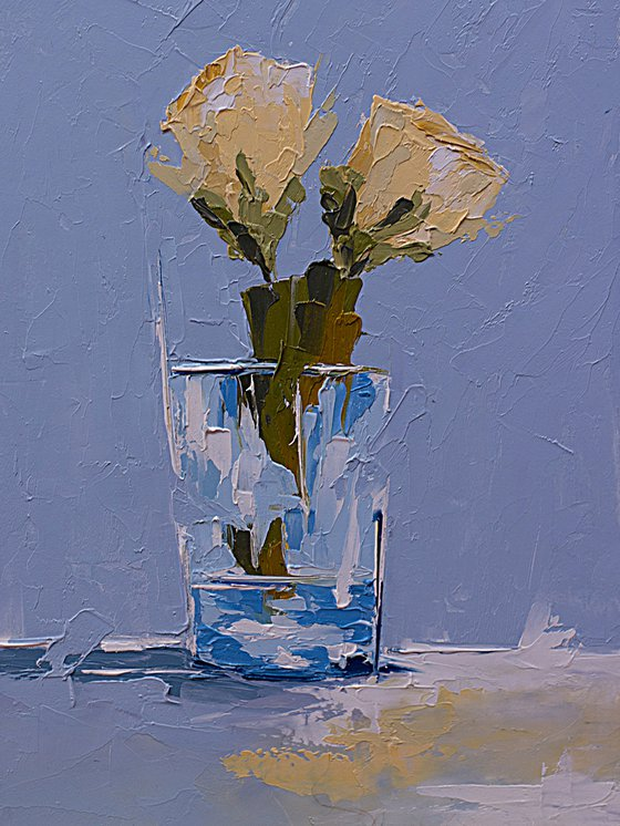 Small painting with roses in glass