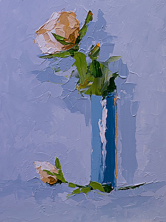 Small painting with flower in vase