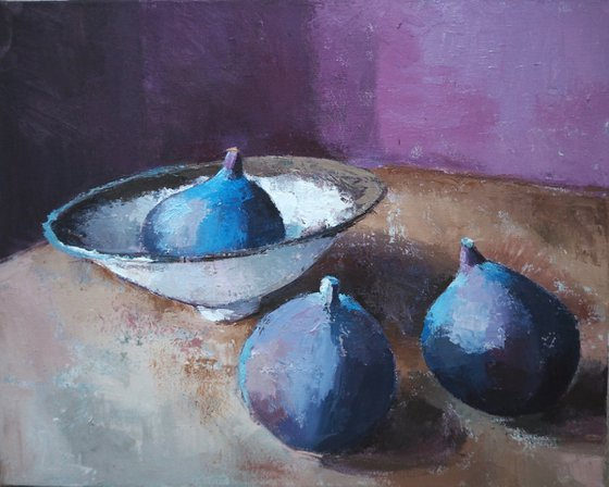Figs and bowl