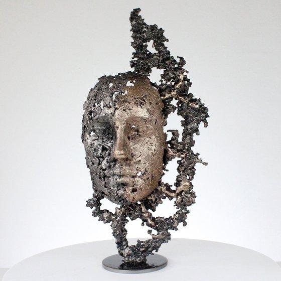 A tear 52-21 - Face sculpture bronze steel