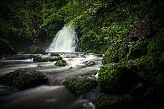 Gleno Waterfall