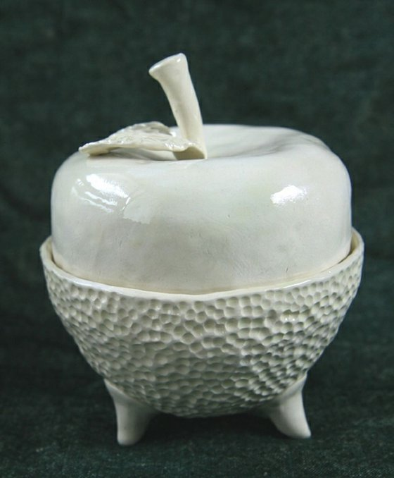 Ceramic | White apple | Box