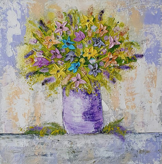 VASE WITH DELICATE FLOWERS