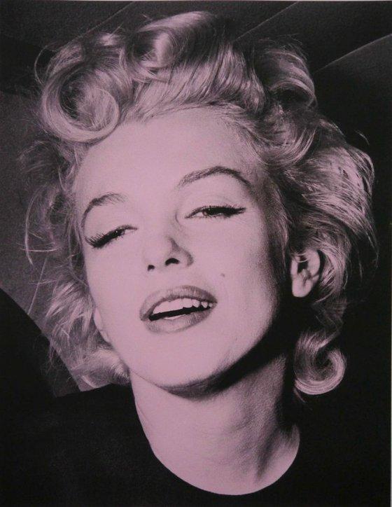 Marilyn Monroe-Pink