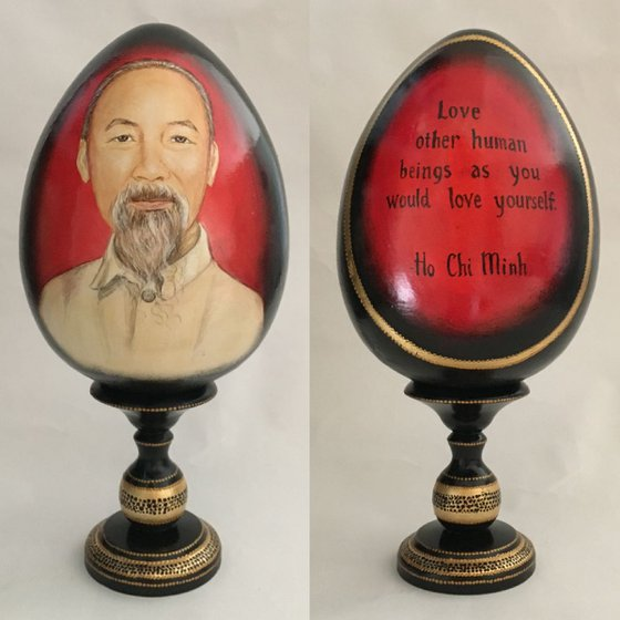 Portrait and quote of Ho Chi Minh. Lacquered art painted on wooden egg