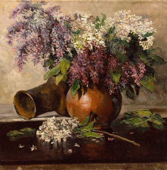 Bouquet of lilac in a clay vase. Contemporary oil painting