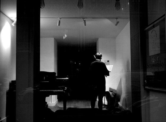 Paris Midnight Musician