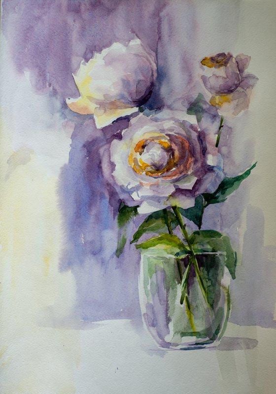 Gentle roses in vase