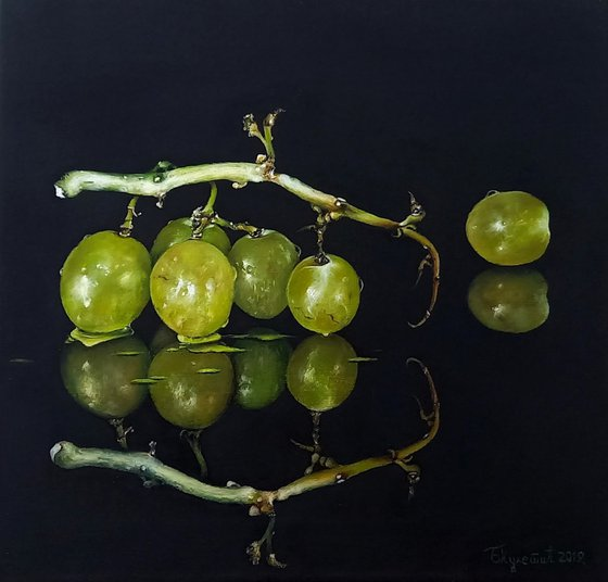 AGAIN GRAPES AND REFLECTION