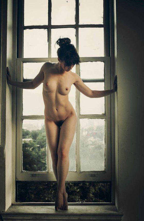 Sera, Framed