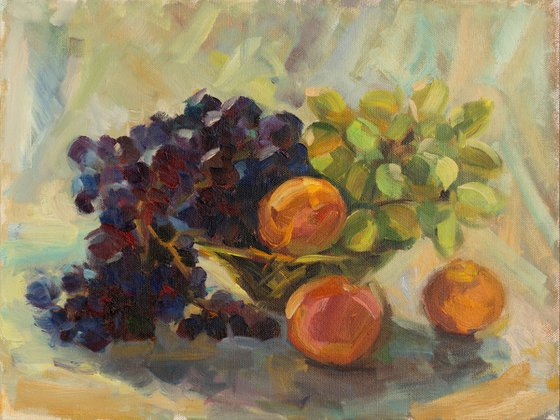 Etude with grapes