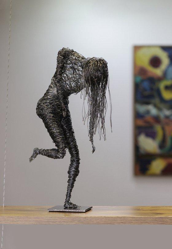 The walking dead (38x20x12 1.3kg iron)