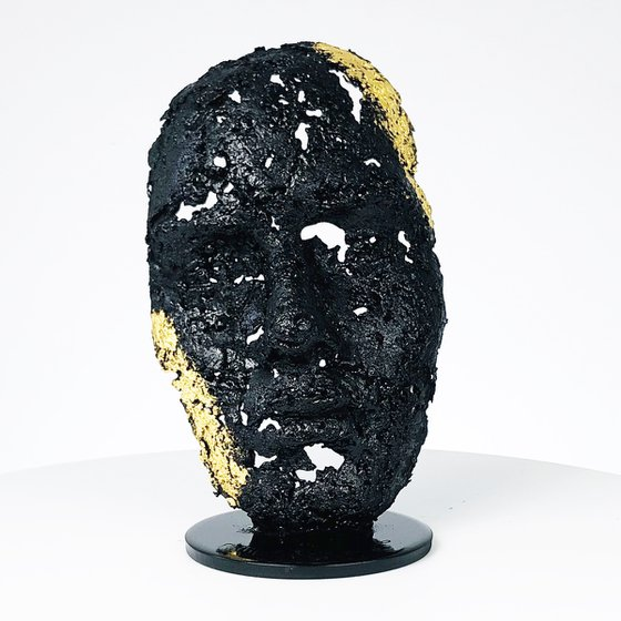 A tear 114-21 - Face sculpture in metal, lace, steel and gold