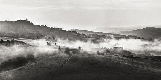 Morning fog in Tuscany - Landscape Art Photo