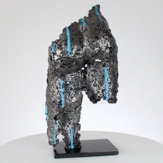 Pavarti Under the rain - buttocks lace metal artwork